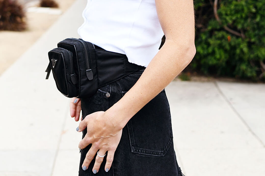 Fanny packs and belt bags